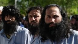 شماری از زندانیان گروه طالبان که از سوی حکومت افغانستان رها شدند.
