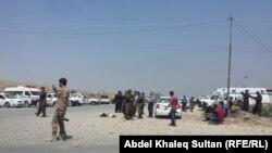 Күрдтер исламшыл содырлар басып алған Зумар және Синджар қалаларынан кетіп жатыр. Ирак, 3 тамыз 2014 жыл.