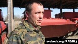 Намесьнік начальніка пажарна-хімічнай станцыі Дзяніc Сацура