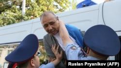 Задержание протестующих во время антиправительственного митинга Аблязова в Алматы 21 сентября 2019