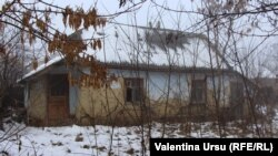 """""""Aici măcar dormim pe la casele noastre, dar acolo (în Rusia) - în podval (subsol), pe penoplast (polistiren)..."""""""