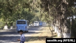 Uzbekistan - college students sent to cotton fields by college administration in Tashkent region, 10Sep2012