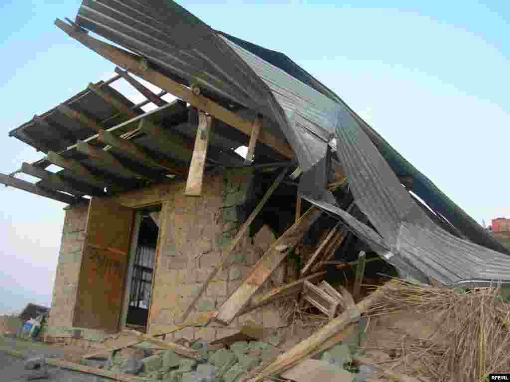 После сноса домов в поселении «Тойлысай» #17