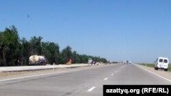 Батыс Қытай - Батыс Еуропа күре жолының пайдалануға берілген бөлігі. Жамбыл облысы. 27 мамыр 2011 жыл.