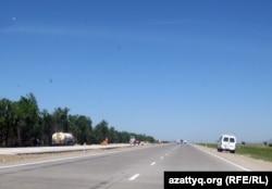 """Строящаяся дорога """"Западная Европа - Западный Китай"""". Жамбыльская область, 27 мая 2011 года."""