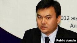 Председатель попечительского совета общественного фонда WikiBilim Рауан Кенжеханулы.
