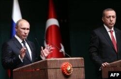 Владимир Путин и Реджеп Эрдоган во время визита президента России в Анкару. Декабрь 2014 года