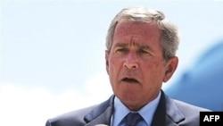 جرج بوش می گوید به فرماندهان نظامی آمریکایی در عراق اختیار داده که با فعالیت های ایران در این کشور مقابله کنند