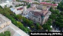 Будинок-пам'ятка на розі вулиць Катерининської та Жуковського в Одесі
