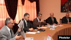 Armenia - Gagik Minasian (third from left) and other representatives of the ruling coalition hold talks with opposition represenatives, 16Aug2011.