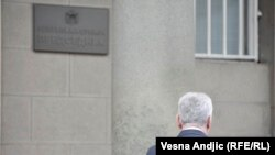 Nikolić je procenio da njegova kandidatura nema dovoljno šansi, ocenjuje Dušan Spasojević