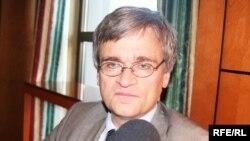 Piter Semnebi