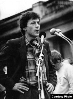 Алексей Ковалев на митинге, 1988 год