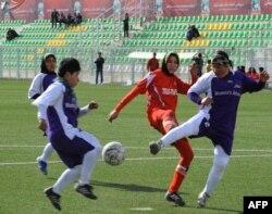 Әйелдер арасында өткен футбол турнирі. Ауғанстан, Кабул, 6 желтоқсан 2013 жыл.