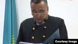 Судья Кеңшілік Абдельдинов сот үкімін оқып жатыр. Алматы, 17 қаңтар 2019 жыл