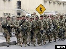 Солдаты 23 батальона в Международном транзитном центре