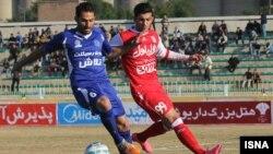 به باور هواداران تراکتورسازی، این تیم مثل دهه ۷۰ که از منابع اصلی توزیع بازیکن در فوتبال ایران بود، باید از نیروهای خود استفاده کند.