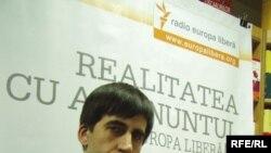 Moldova -- Iulian Ciocan, writer and RFE correspondent, Chișinău, 2009