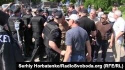 Полиция блокирует проезд на Соборную площадь