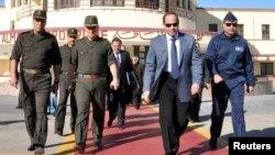 عبدالفتاح سیسی (نفر دوم از راست) فرمانده پیشین ارتش مصر است که محمد مرسی را از قدرت برکنار کرد