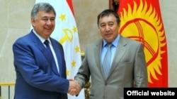 Муродалӣ Алимардон ва Абдураҳмон Маматалиев. Бишкек, 3 июли соли 2014