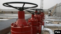 سازمان اوپک قيمت نفت ايران در تير ماه گذشته را ۱۲۷ دلار در هر بشکه اعلام کرد. (عکس از فارس)