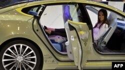 Модель XchangE, представленная на нынешнем автосалоне в Женеве, предполагает и полностью автономное управление, без какого-либо участия водителя