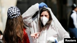 به اساس آمار پوهنتون جانز هاپکنز حدود۱۹۰هزار نفر در ایالات متحده به ویروس کرونا مبتلا شده اند.