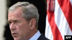 Presidenti George Bush duke folur për situatën mes Gjeorgjisë dhe Rusisë.