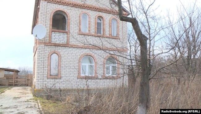 Будинок у Сторожевому, в якому жив Сергій Дубинський