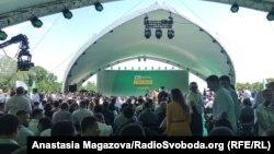 Місце проведення з'їзду партії «Слуга народу» у ботанічному саду Києва