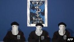 Представители ЭТА заявляют об отказе от террористической деятельности. 20 октября 2011 года. Источник: AFP