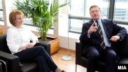Средба на вицепремиерката Теута Арифи со комесарот за проширување на ЕУ Штефан Филе на 6 март 2012.