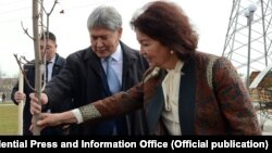 Алмазбек и Раиса Атамбаевы.