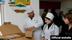 Тәжікстандағы аурухана дәрігерлері. Душанбе, 17 қараша 2011 жыл. (Көрнекі сурет)