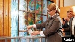 Тимошенко заявляє, що потрапляє до другого туру
