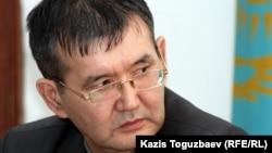 Оппозиция белсендісі Ерлан Қалиев. Алматы, 29 ақпан 2012 жыл.