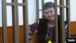 Надежда Савченко на заседании суда 26 октября 2015 года