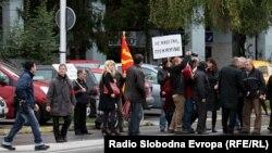 протест на стечајците пред Владата.