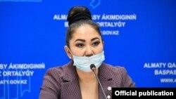 Айзат Молдагасимова в бытность главным санитарным врачом города Алматы.