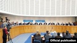 Европейский суд по правам человека обязал правительство Грузии выплатить отцу убитого Сандро Гиргвлиани за моральный ущерб 50 тысяч евро