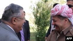 الزعيمان الكرديان جلال طالباني ومسعود بارزاني