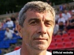 """Олег Ширинбеков, сармураббии дастаи """"Истиқлол"""""""