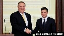 ԱՄՆ պետքարտուղար Մայք Փոմփեոն և Ուկրաինայի նախագահ Վլադիմիր Զելենսկին, Կիև, 31-ը հունվարի, 2020թ.
