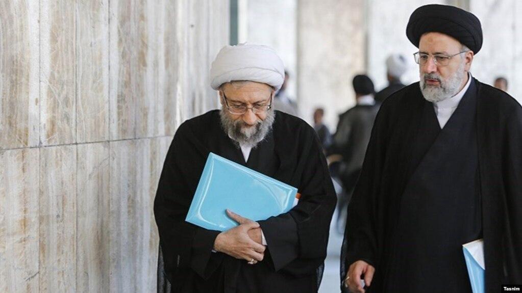 ابراهیم رئیسی و صادق لاریجانی در حاشیه مجلس خبرگان، مهر ۹۸
