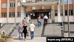 Иллюстративное фото – избирательный участок в Симферополе
