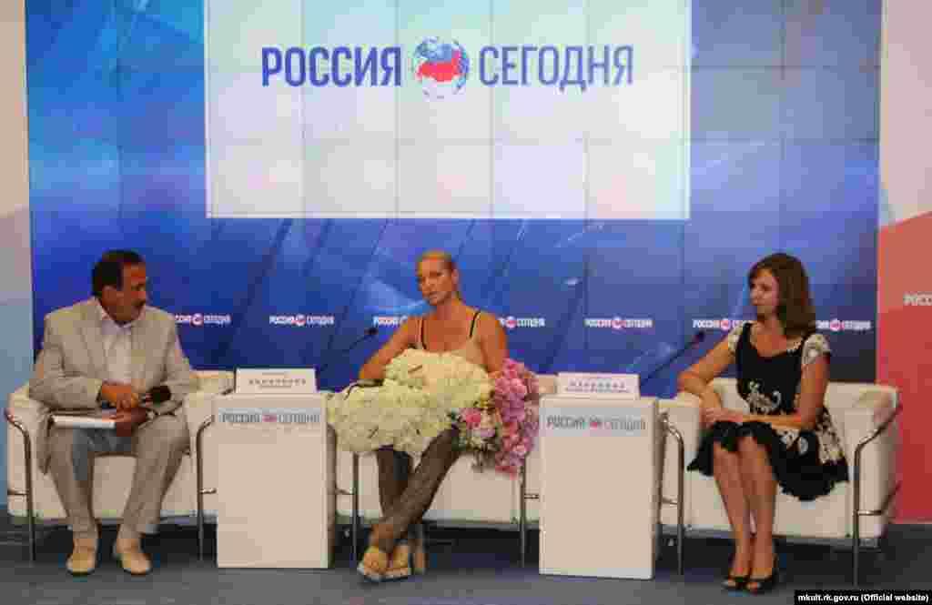 Rusiye balerini Anastasiya Voloçkova Qırımğa keldi, 2016 senesi iyül 21 künü