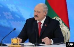 Александр Лукашенко приостановил действие декрета № 3