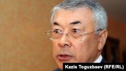 Сарыбай Калмурзаев в бытность управляющим делами президента Казахстана.