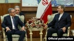 Iran - Iran's First Vice-President Eshaq Jahangiri (R) meets with Armenian Minister for Energy Infrastructures Ashot Manukian in Tehran, 5Dec2016.